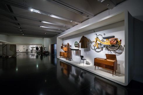 מתוך התערוכה הנוסטלגית ''1965 והיום'', לציון יובל למוזיאון (צילום: איתי סיקולסקי)