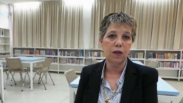 """""""משהו אחר היה צריך לקרות"""". מנהלת מחלקת החינוך בגדרה (צילום: נועם דביר)"""