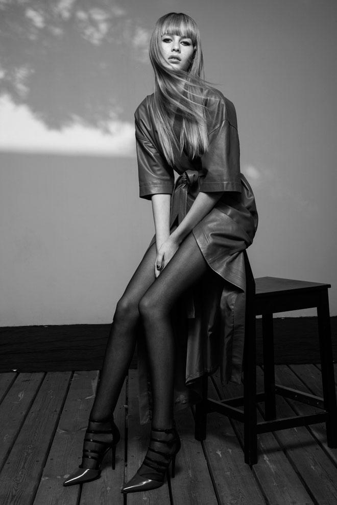 שמלה, עידן לרוס; נעליים, אלדו (צילום: טינו ואקה)