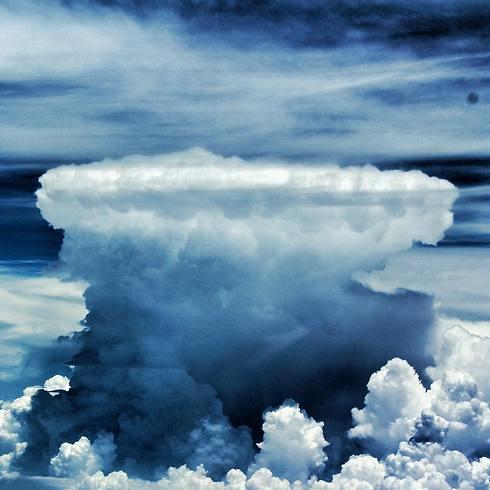 ענן סערה קומולוסנימבוס. אתם לא רוצים להתקרב אליו (צילום: תומר צדוק) (צילום: תומר צדוק)