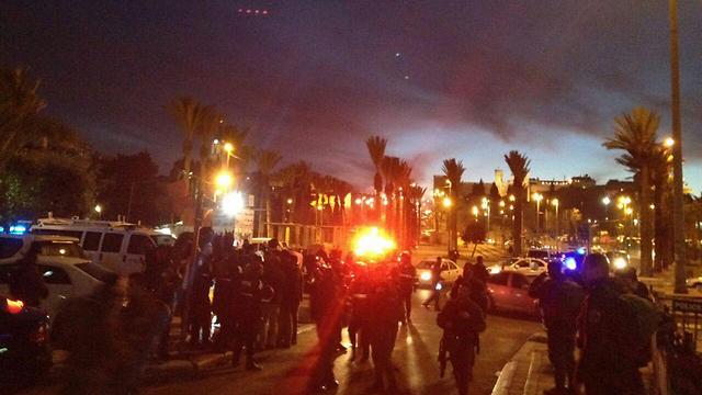 The scene of a stabbing in Jerusalem, by Damascus Gate (Photo: MDA Spokesperson)