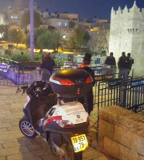 Scene of a stabbing next to Damascus Gate, Jerusalem (Photo: MDA Spokesperson)