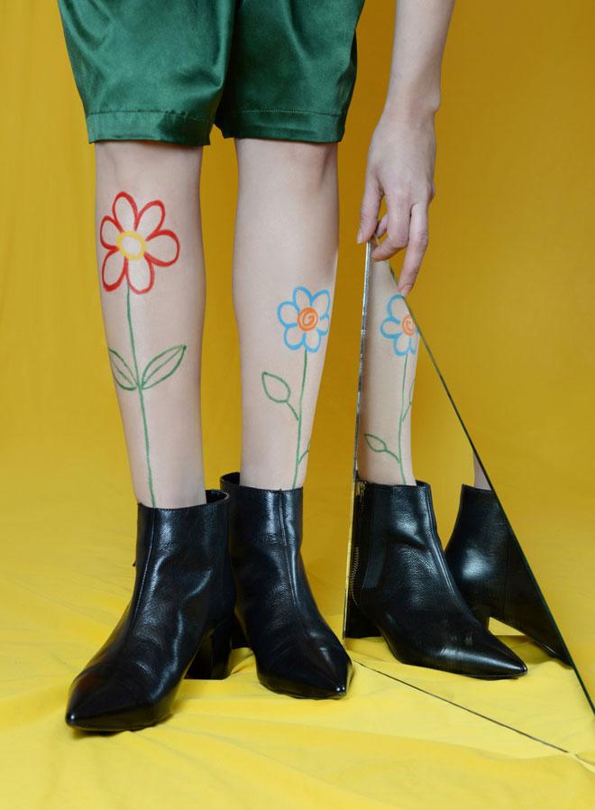 מכנסיים, מוסלין ברדרס; מגפיים, ניין ווסט (צילום: דנה וקסלר)