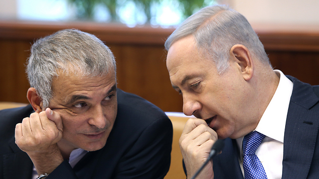 Prime Minister Benjamin Netanyahu and Finance Minister Moshe Kahlon (Photo: Amit Shavi)