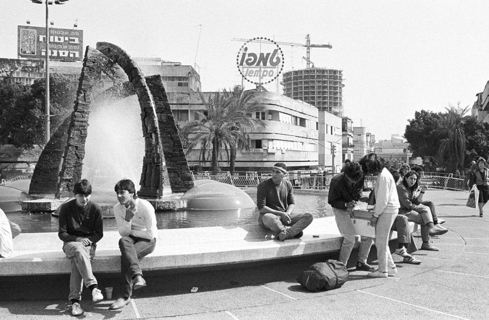 ההגבהה ב-1976 לא זכתה להתלהבות יתרה כבר בהתחלה. הפקק אמנם שוחרר, אבל מבחינה עירונית לא מדובר בהצלחה. גם מבחינה אסתטית זו הייתה נסיגה בולטת (צילום: דוד רובינגר)