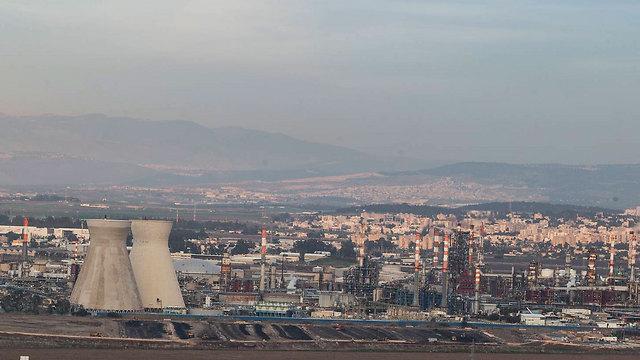 זיהום אויר במפרץ חיפה (צילום: גיל נחושתן) (צילום: גיל נחושתן)