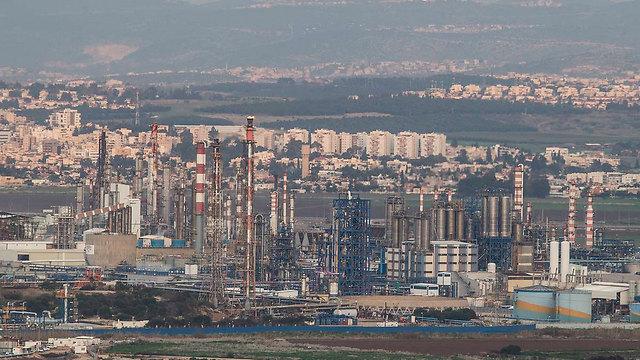 בתי הזיקוק במפרץ חיפה (צילום: גיל נחושתן) (צילום: גיל נחושתן)