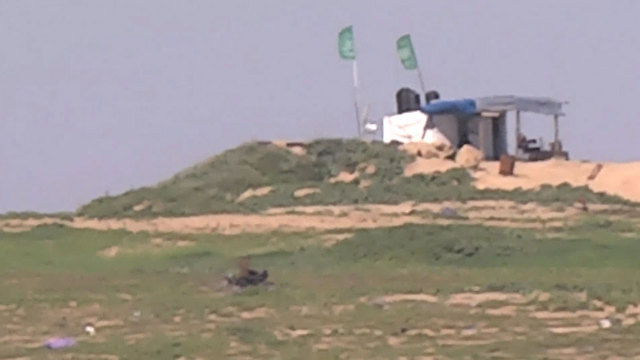 Hamas military positions along the border (Photo: Roee Idan)