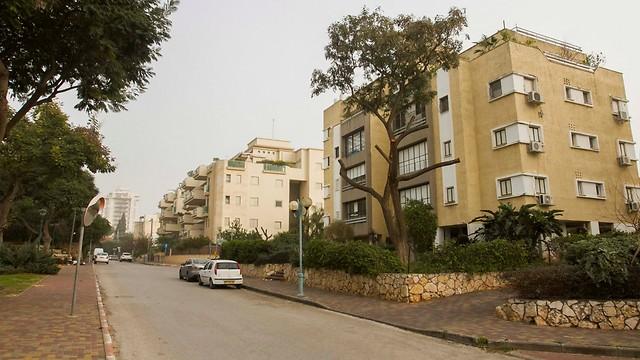 הוד השרון. פנטהאוז 5 חדרים ב-3.3 מיליון שקל (צילום: עידו ארז) (צילום: עידו ארז)