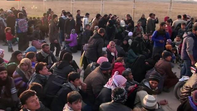 פליטים שעזבו את חלב (צילום: AFP) (צילום: AFP)