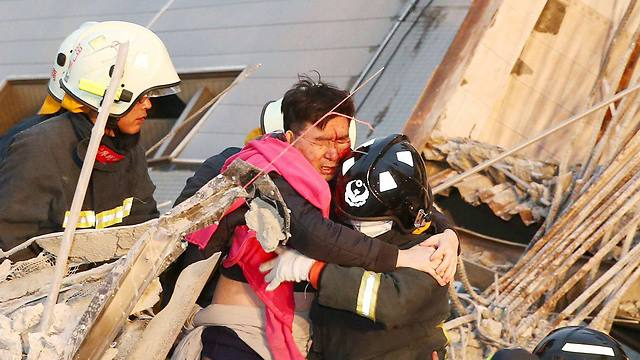 מאות נפצעו ברעידת האדמה (צילום: רויטרס) (צילום: רויטרס)