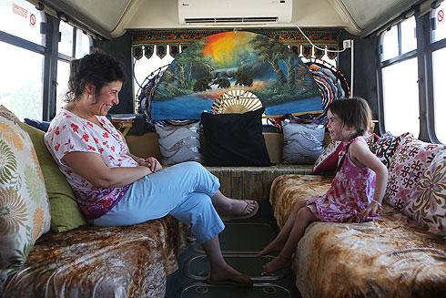 """ליבי קשת: """"ילד שכועסים עליו הרבה, מרבה לעשות דברים אסורים"""" (צילום: אלכס קולומויסקי)"""
