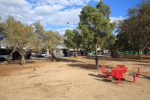 גן הכובשים, בין שוק הכרמל לנוה צדק, יופקע כ''אתר התארגנות'' (צילום: דור נבו)