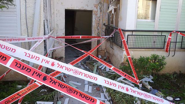 כך נראה הבניין לאחר הפיצוץ ()