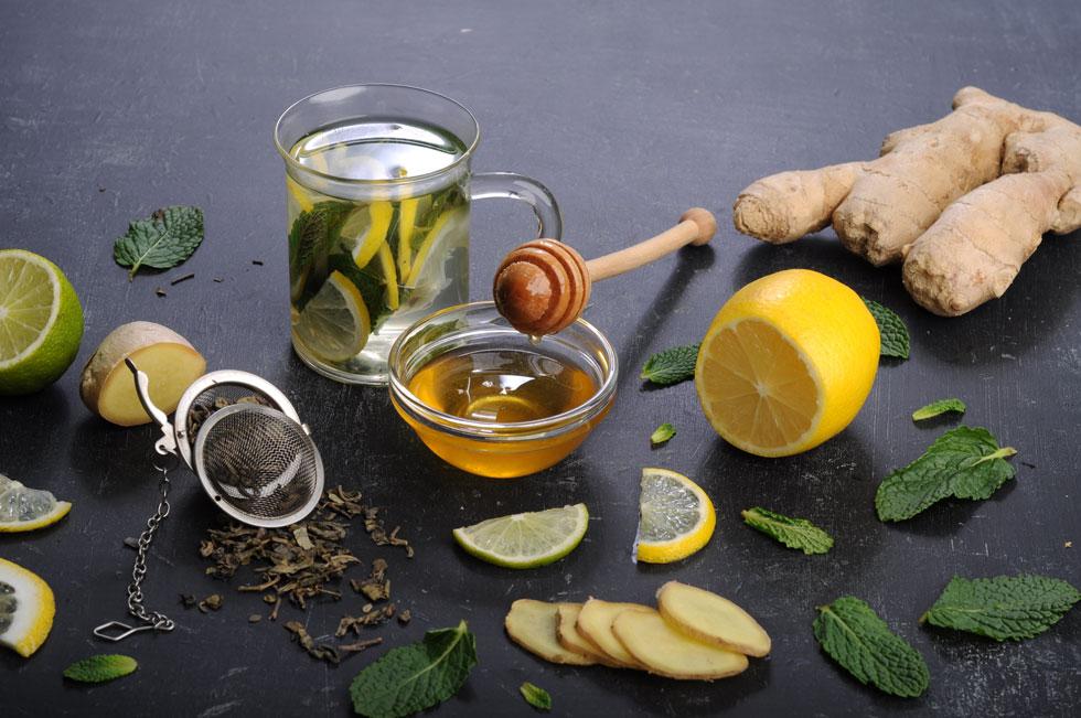 איך אפשר לטפל באופן טבעי בשפעת, חום וכאבי גרון? (צילום: Gettyimages)