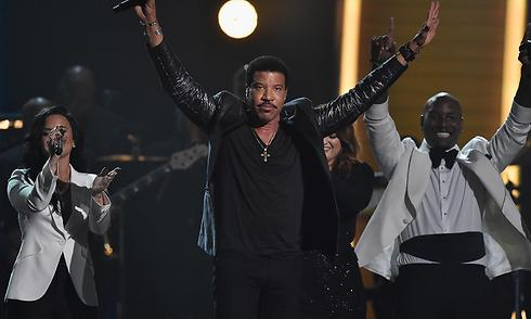 Lionel Richie during a 2016 concert (Photo: Getty Images)