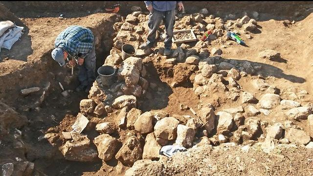 Chalcolithic settlement discovered in the north Jerusalem neighborhood of Shuafat (Photo:Assaf Peretz)