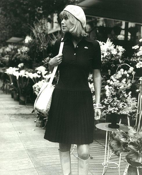 לובשת רק שחור? חצאית הטניס בגרסה כהה, 1973