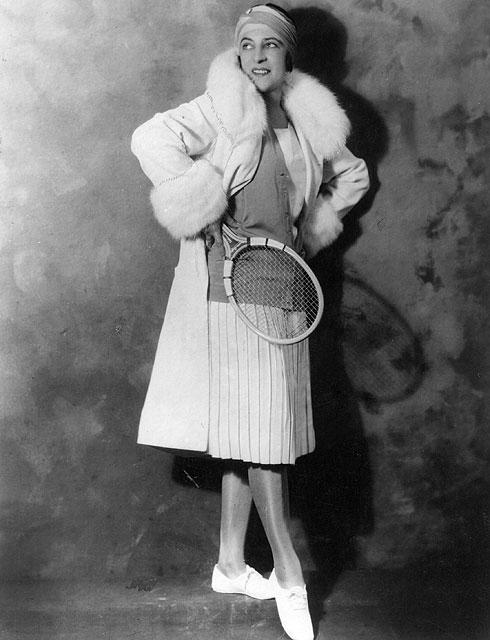 מאחורי הקפלים הלבנים והרכים מתחבאת מהפכה אופנתית. סוזן לנגלן, 1925 (צילום: gettyimages)