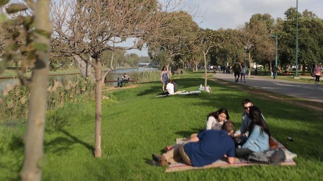 מי אמר שחייבים פארק גדול בכל פרויקט מגורים? (צילום: ירון ברנר) (צילום: ירון ברנר)