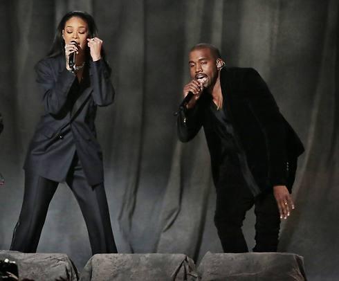 גם היא כאן, בין היתר. ריהאנה וקניה (צילום: MCT) (צילום: MCT)
