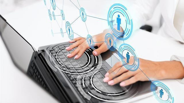 הטכנולוגיה יכולה לחבר בין אנשים במצבי חירום ולסייע לתפקד בצורה מועילה יותר (צילום: Shutterstock) (צילום: Shutterstock)