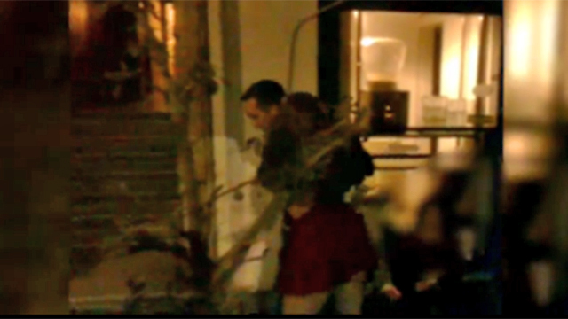 """""""סחיבת פצוע"""" בלב תל אביב (צילום: אסף קמר ואסף מגל) (צילום: אסף קמר ואסף מגל)"""