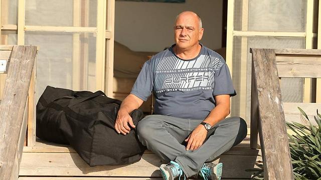 דנקנר בעת כניסתו לריצוי מאסרו (צילום: אלעד גרשגורן) (צילום: אלעד גרשגורן)