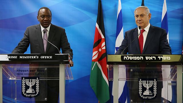 Prime Minister Bibi Netanyahu meets with President Uhuru Kenyatta of Kenya (Photo: Ohad Zwigenberg)