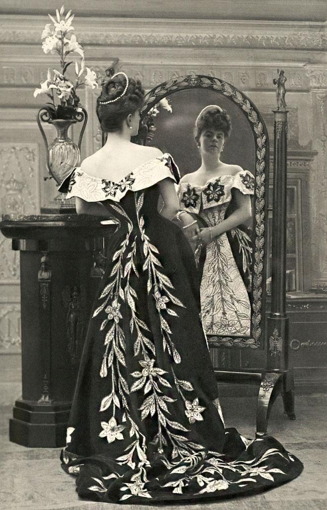 התעניינה באופנה כדי שלא תצטרך להתמסר אליה. הרוזנת גרפול (צילום: Nadar / Galliera / Roger-Viollet)