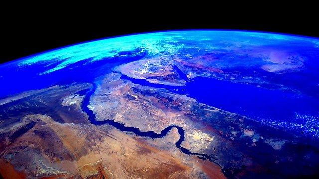 """ולסיום. קלי צילם את מצרים, אבל אפשר לראות גם את ישראל (צילום: סקוט קלי, נאס""""א) (צילום: סקוט קלי, נאס"""