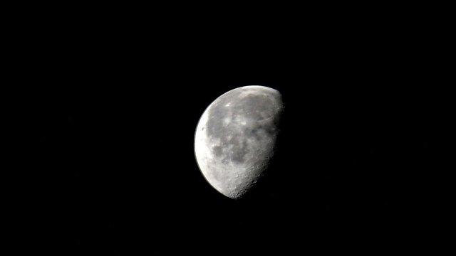 """כך נראה הירח מתחנת החלל (צילום: סקוט קלי, נאס""""א) (צילום: סקוט קלי, נאס"""