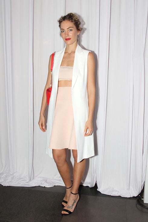 אוהבת את השילוב של ספורט-קז'ואל. ג'ני צ'רוואני בתצוגת האופנה של גולברי (צילום: קוקו)