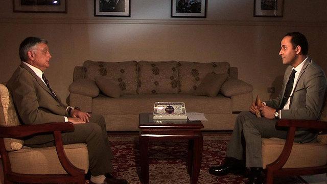 השגריר חיים קורן בראיון ל-BBC בערבית ()