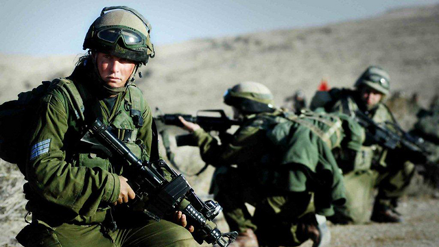 Fighters training, 2000 (Photo: IDF Spokesman, courtesy of the IDF Archive)
