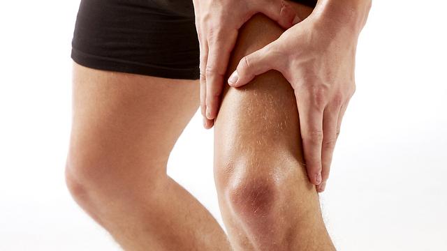 הכאב עלול להתבטא לאורך הגפיים. תסמיני פריצת דיסק (צילום: shutterstock ) (צילום: shutterstock )