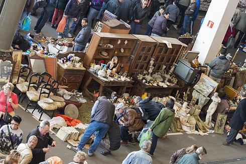 שוק הפשפשים המפורסם. למיטבי לכת וחיפוש (צילום: shutterstock) (צילום: shutterstock)