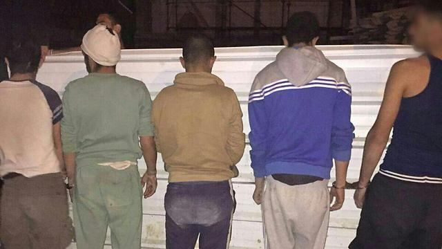 Illegal aliens arrested in Kiryat Malachi (Photo: Police spokesperson)