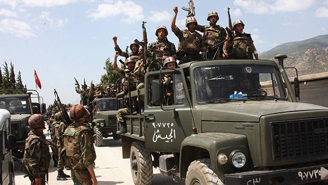 2011: צבא סוריה עדיין חדור מוטיבציה (צילום: AP) (צילום: AP)