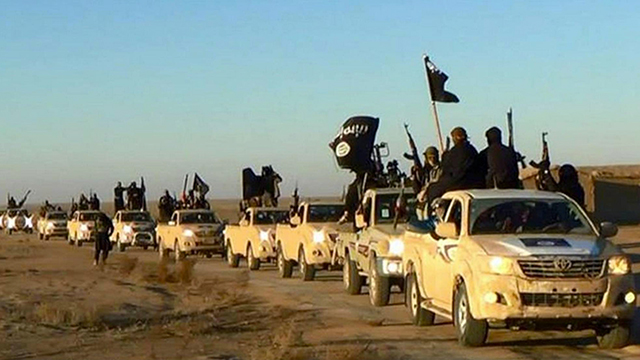 ISIS convoy (Photo: AP)