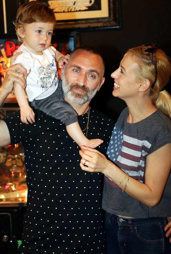 משפחה מושלמת. שלום, ענבל וארי (צילום: אמיר מאירי)