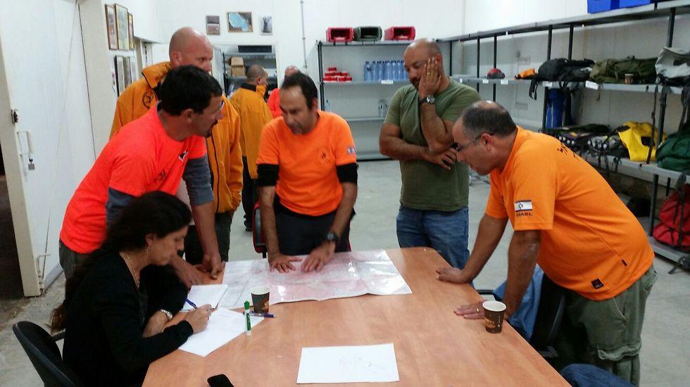 מתכוננים לעוד פעילות (צילום: באדיבות יחידת חילוץ ערבה) (צילום: באדיבות יחידת חילוץ ערבה)