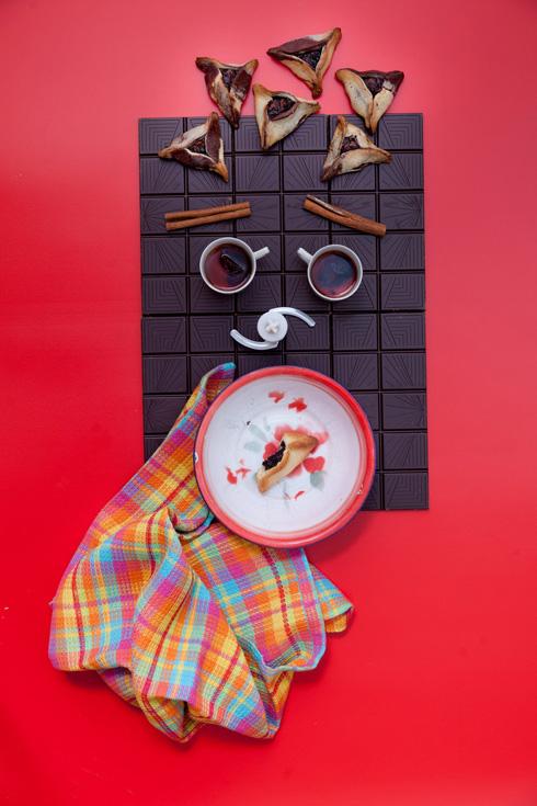 אוזני המן במילוי שוקולד ושזיפים (צילום: יעל אילן)