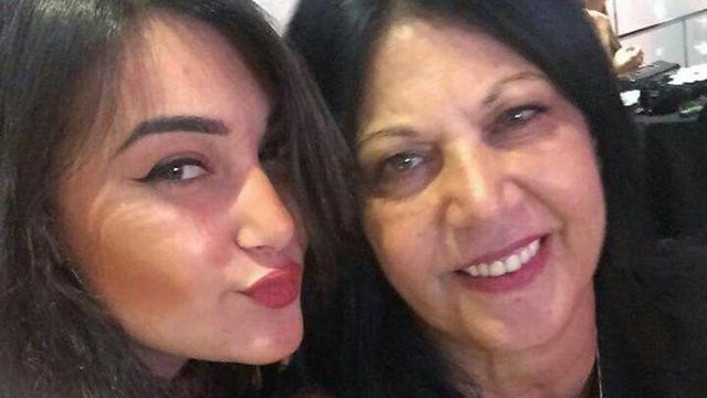 Simcha Damri with her daughter, Adi