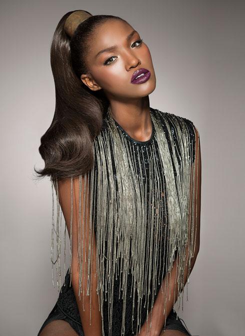 התוספות לא משאירות למעצבי השיער הרבה עבודה. טיטי איינאו (צילום: עדו לביא)