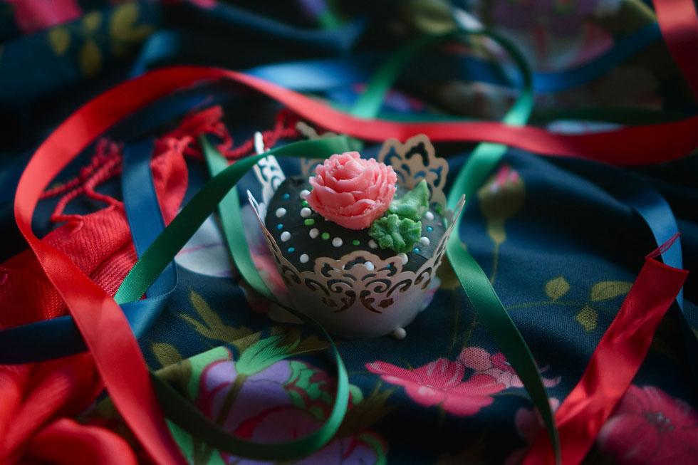 משלוח מפרידה קאלו: קאפקייק עם ציפוי שוקולד (צילום, סגנון והפקה: מירב גביש)