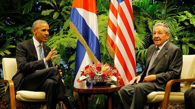 גישה פתוחה. ברק אובמה וראול קסטרו (צילום: רויטרס) (צילום: רויטרס)