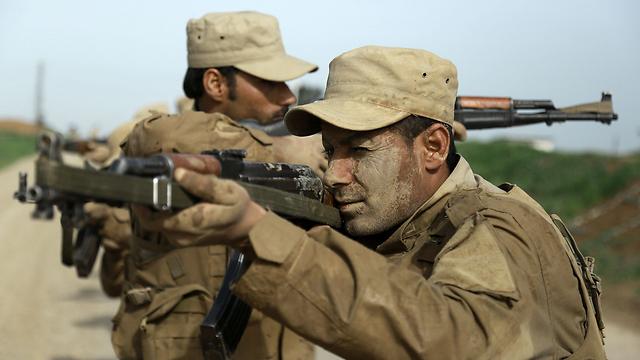 Kurdish soldiers in training (Photo: AFP)