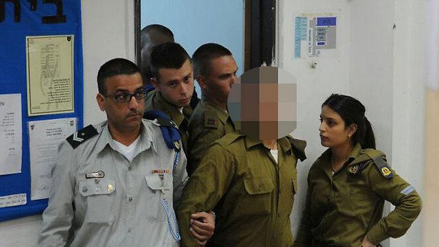 החייל היורה בבית הדין הצבאי (צילום: אבי רוקח) (צילום: אבי רוקח)