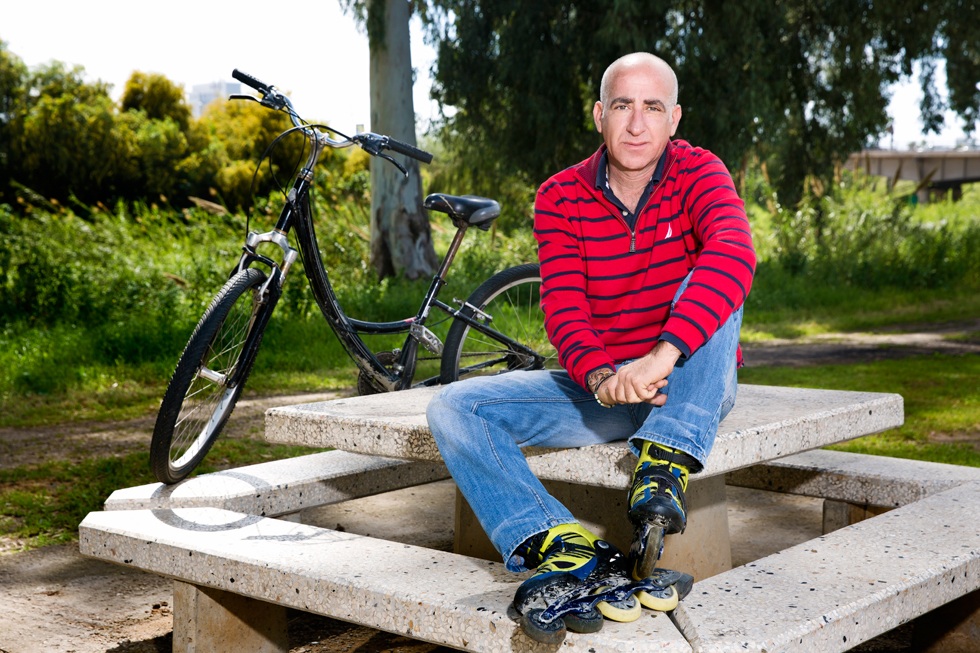 """יוסי קט. """"דרך האופניים אני מצליח לגעת באנשים ולתת להם את הדברים הכי בסיסיים שכל אדם זקוק להם: אמונה, ביטחון עצמי ותחושת מסוגלות"""" (צילום: ענבל מרמרי)"""